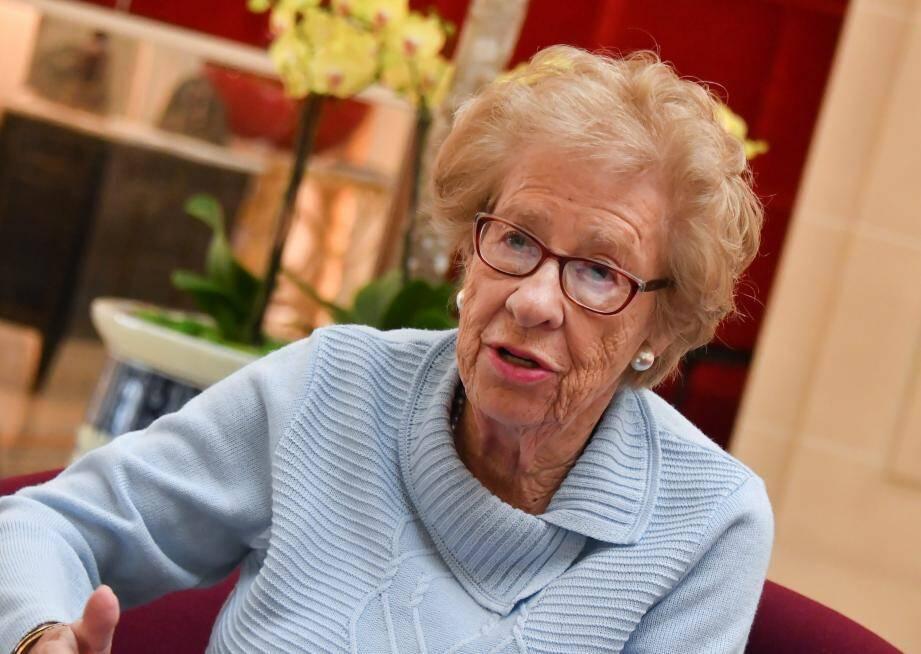 «Auschwitz est devenu une attraction pour les touristes. Les gens rient, filment...», constate Eva Schloss.