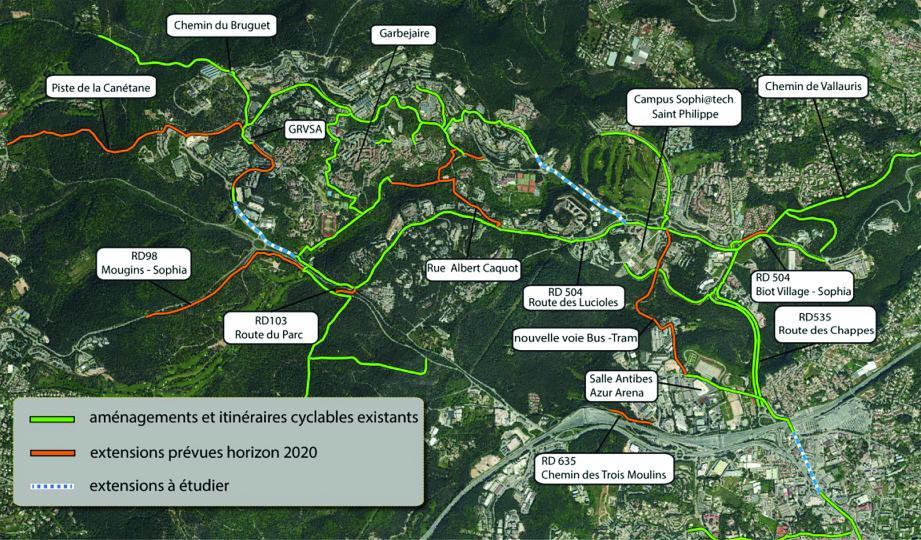 Les aménagements et itinéraires cyclables existants et les extensions prévues à l'horizon 2020. (Infographie Casa)