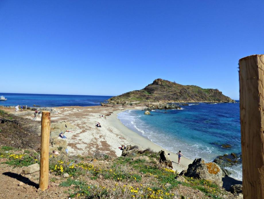 Rouverts depuis le 1er avril, les sites du Cap Lardier et du Cap Taillat attirent déjà locaux et touristes en quête d'un grand bol d'air frais.