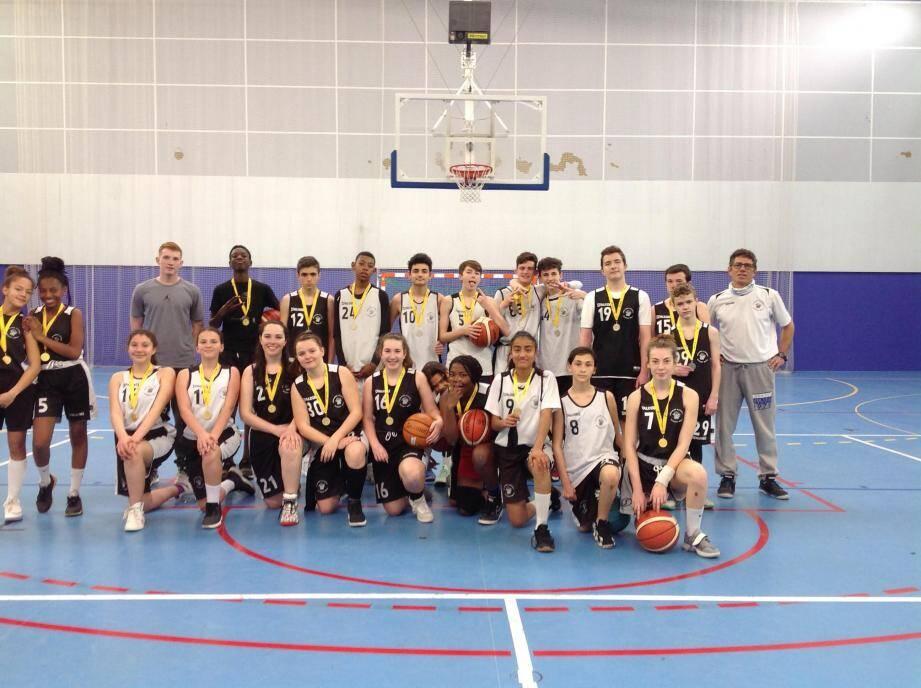 Champions du Var, médaillés académiques, les basketteurs seront les premiers supporters des filles qui joueront leur qualifications pour les « France » contre les marseillaises le mercredi 18 avril après-midi au palais des sports de Toulon.