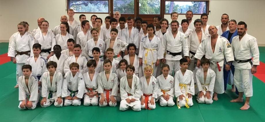 L'entraînement a réuni des judokas de tous les âges, en présence du président du comité du Var, Hervé Tarpéa.(P.O.)