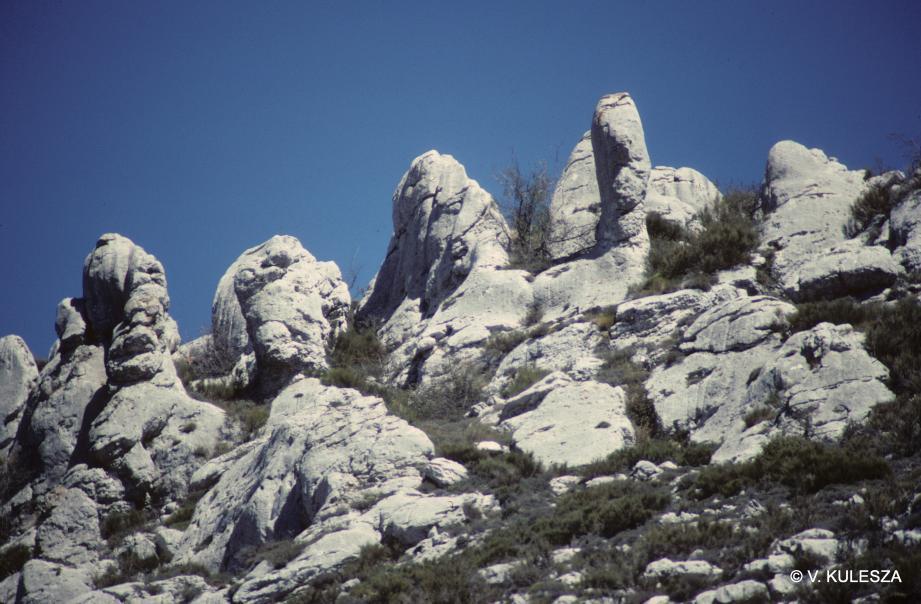 Le plateau de Saint-Barnabé et ses étranges pierres calcaires.