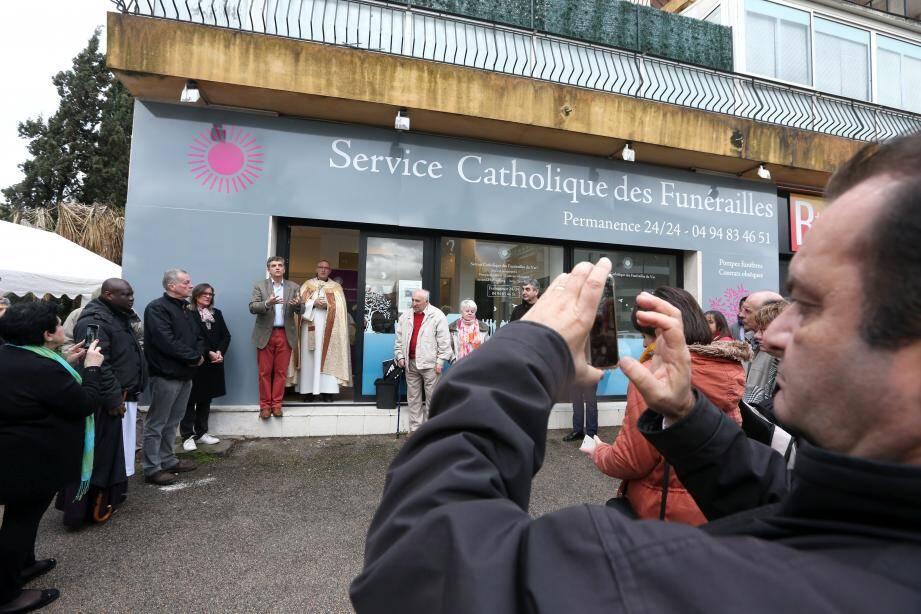 Les locaux ont été béni par Monseigneur Rey.