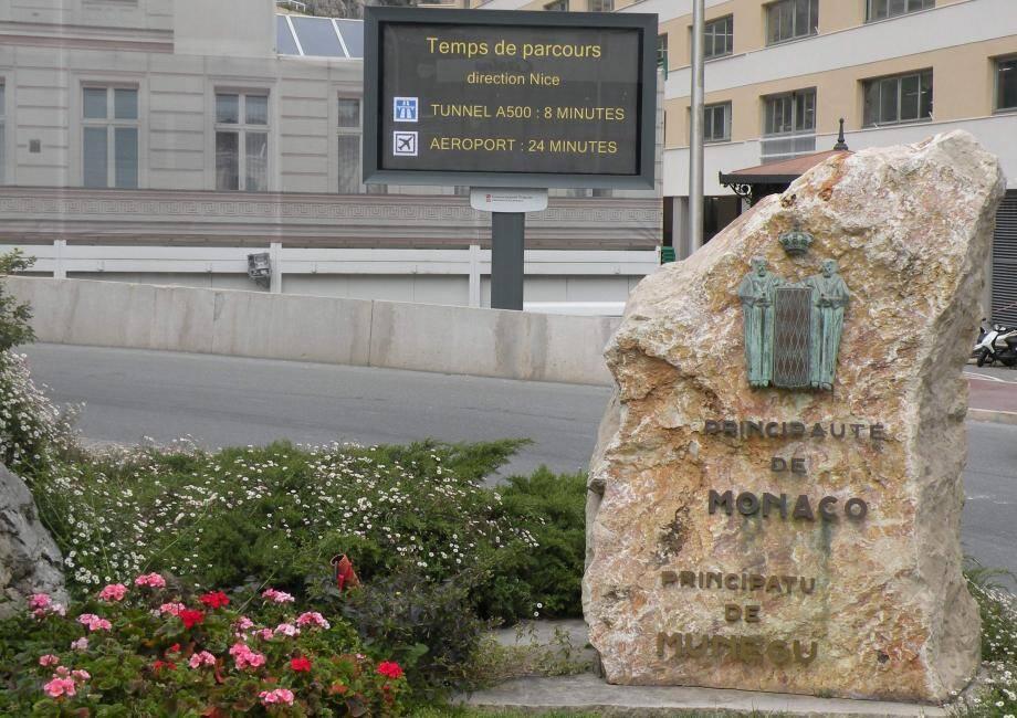 8 panneaux d'affichage sont implantés dans Monaco.