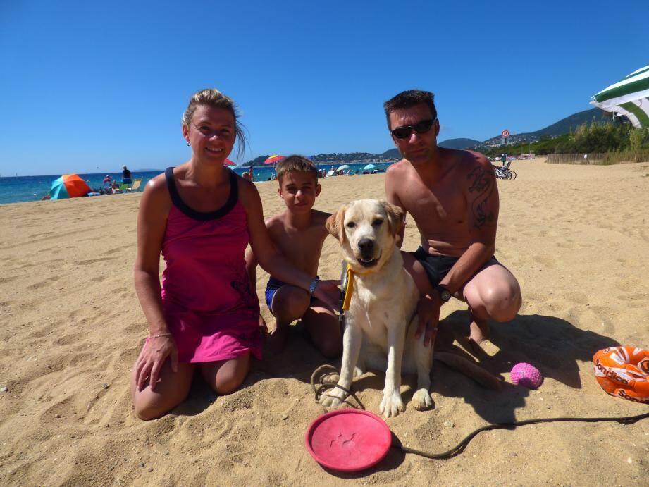 L'an dernier, cette famille d'Europe du Nord avait choisi La Croix-Valmer, en raison de sa plage pour chiens.