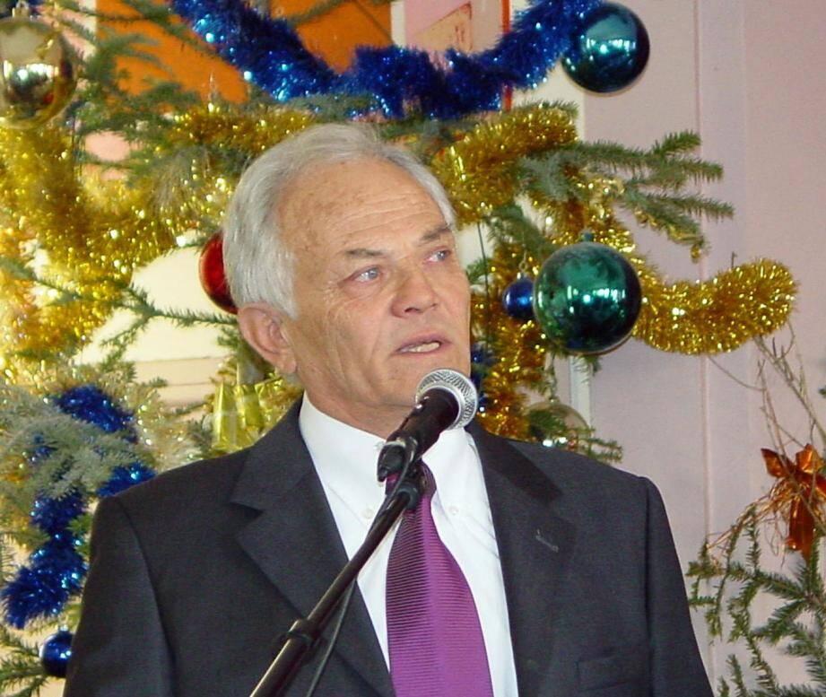 Maurice Lavagna, maire de Berre-les-Alpes et premier vice-président, assurait l'intérim.