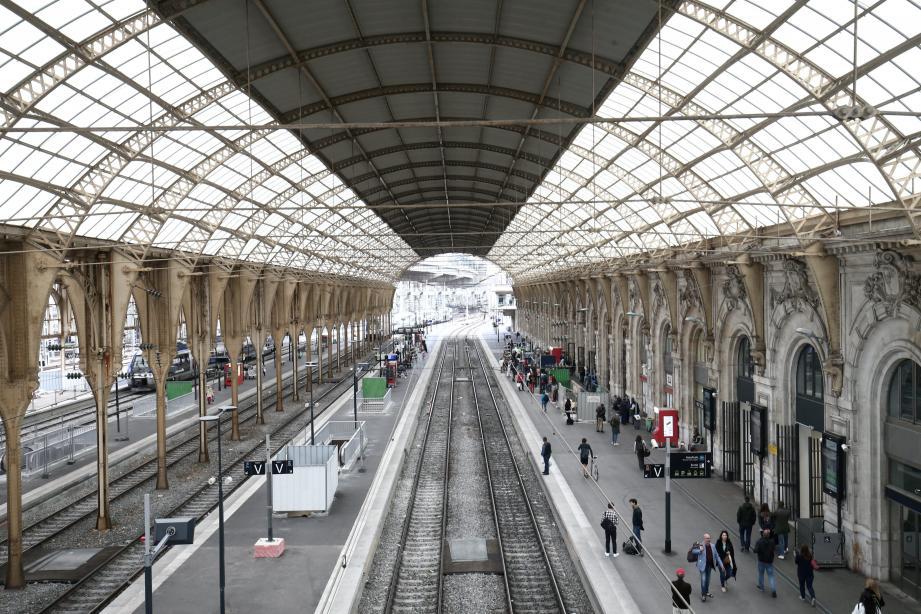 Les hôteliers, les professionnels du tourisme seront-ils impactés par les mouvements sociaux, à la SNCF, notamment ?