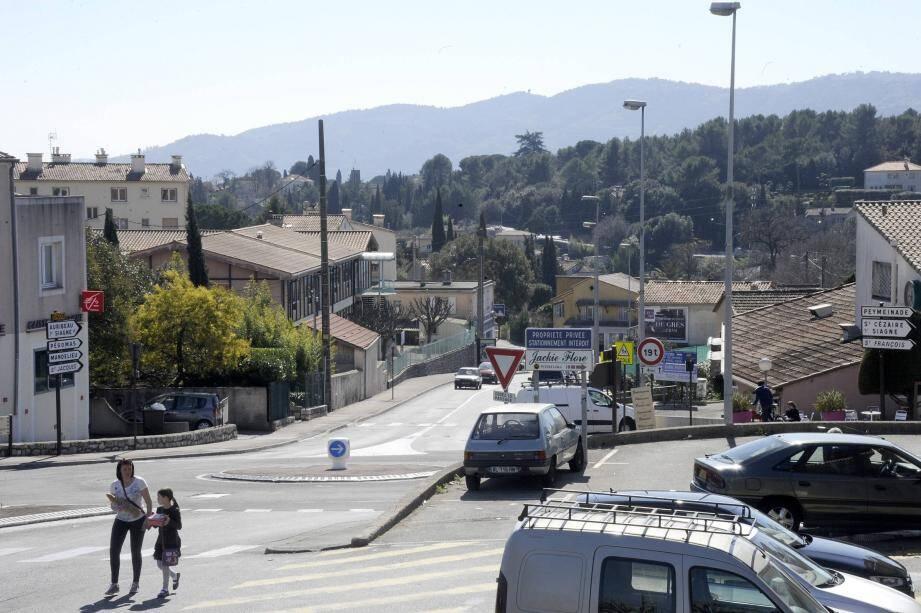 Le quartier St-Jacques fait partie de la première tranche des travaux concernant le dépoiement de la fibre.