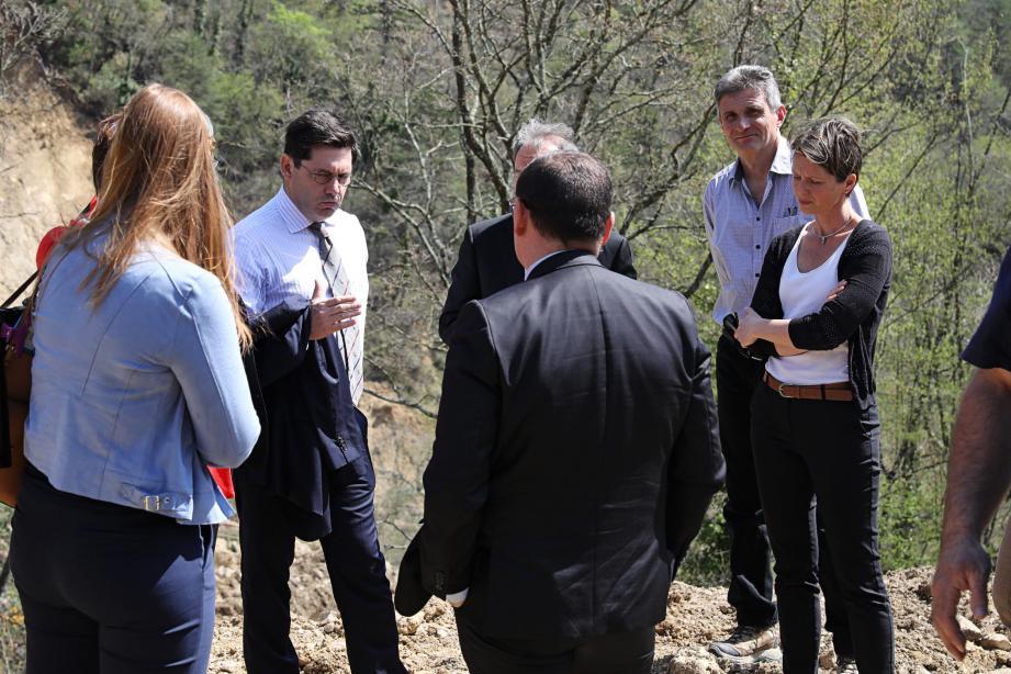 Le maire de Sospel, Marie-Christine Thouret peut compter sur le soutien des autorités et collectivités. Hier, le préfet des Alpes-Maritimes, Georges-François Leclerc est venu faire le point de la situation.