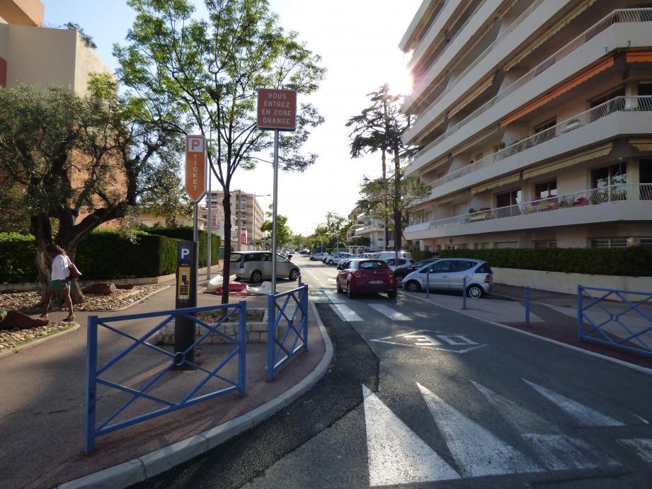 Une des rues passées de zone jaune à zone orange au Cros-de-Cagnes.