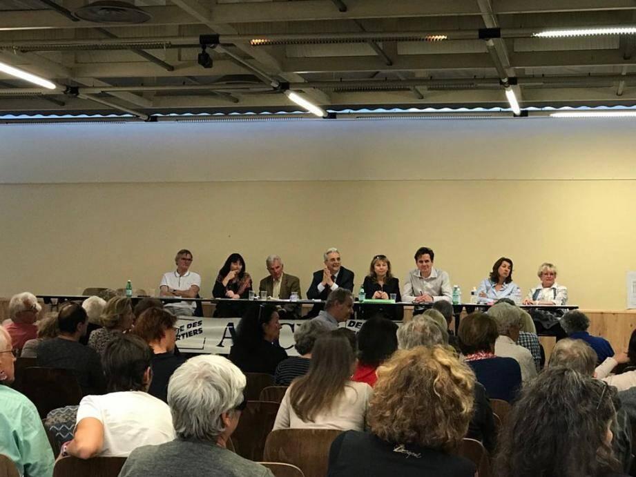 Lors de la réunion de quartier de l'association Bréguières, Collettes, Val Fleuri, le maire a répondu aux questions des adhérents.(DR)