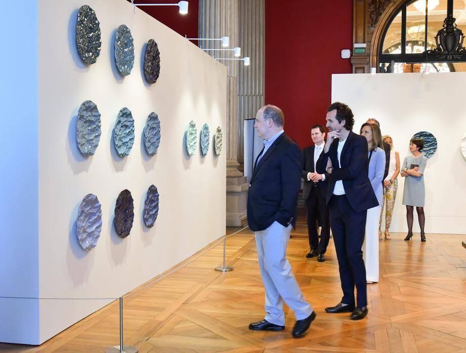Le prince Albert II a inauguré, samedi au Musée océanographique, l'exposition 50 Seas du designer Mathieu Lehanneur.