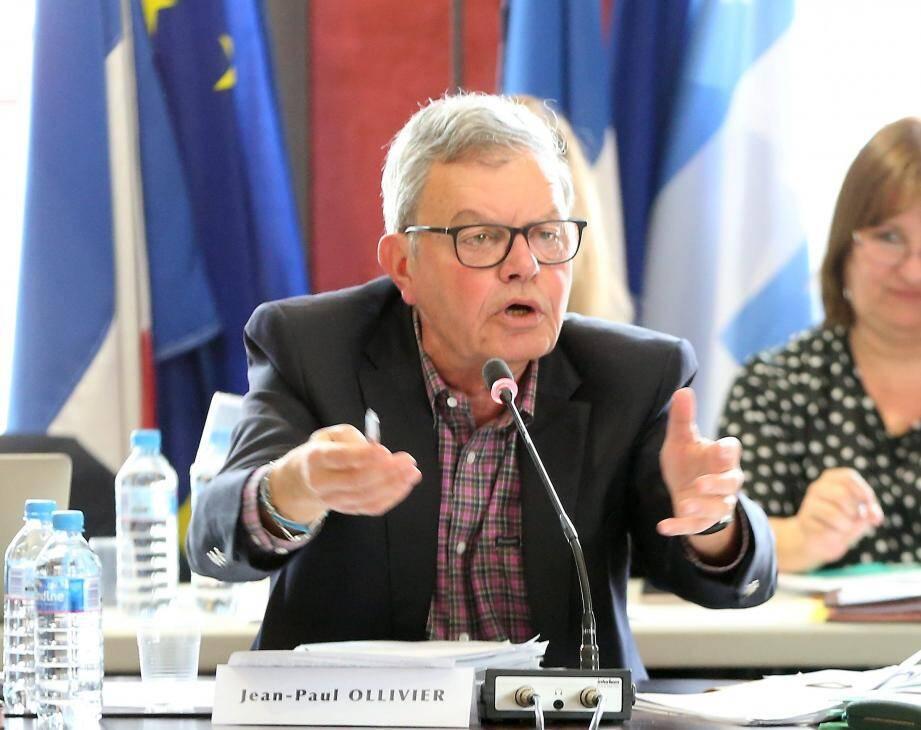 Le maire de Roquebrune-sur-Argens, Jean-Paul Ollivier, juge l'attaque de son opposant