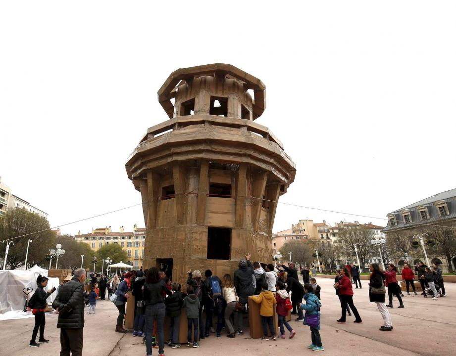 Le phare, place d'Armes à Toulon.