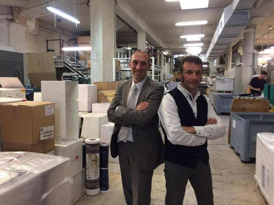 Fin décembre, Sébastien Lerique (à gauche) a été nommé président de la Scop par l'ensemble des associés salariés. En aidant à la passation, Bernard Tigli reste impliqué dans l'entreprise qui a été toute sa vie.