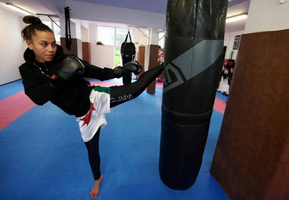 Double championne du monde Amel Dehby, s'entraîne au coeur de son quartier des Moulins à Nice.