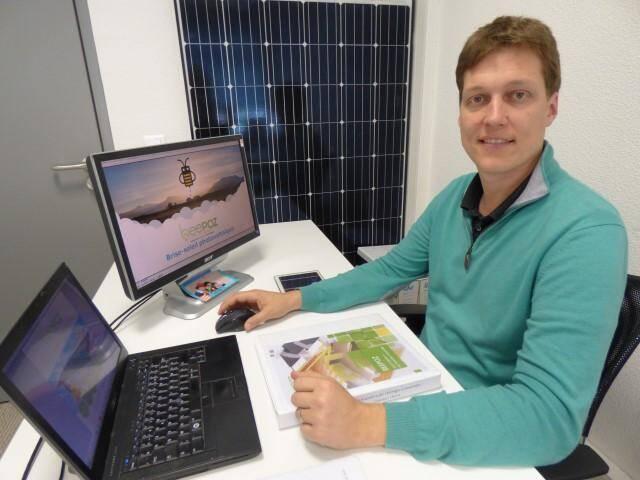 Jérôme Demeulemeester propose aux particuliers et aux entreprises des produits innovants dans le domaine du panneau solaire et des économiques d'énergie.