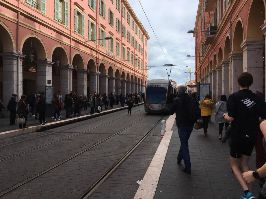 Le trafic du tramway a progressivement repris à 15h45 ce vendredi.