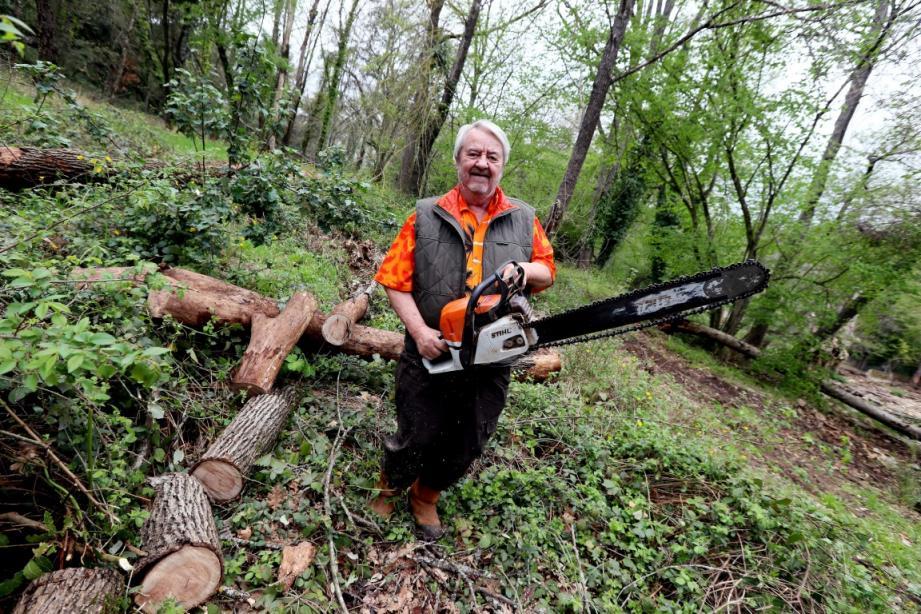 Frédéric-Georges Roux, le président atypique du syndicat des propriétaires forestiers sylviculteurs du Var, rappelle que la forêt ne s'entretient pas. Elle s'exploite et se gère.