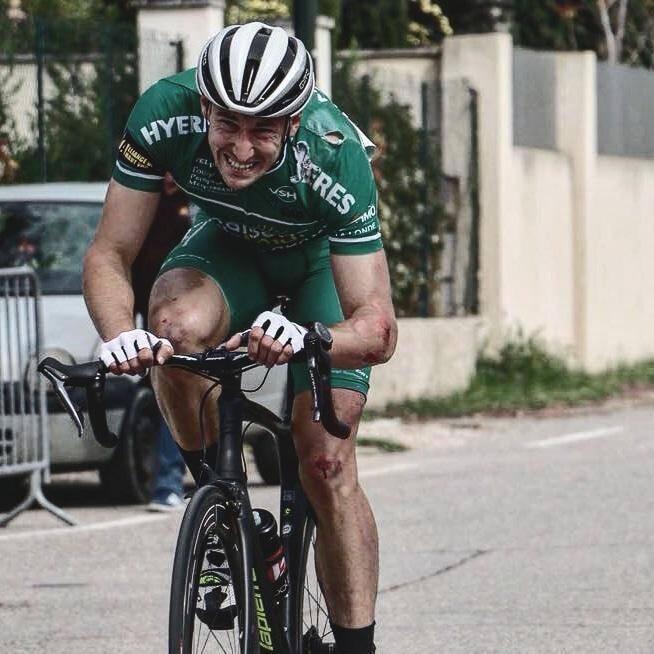 Avec beaucoup de courage, Jérémy Morel en termine sur le Grand prix de Mouriès.