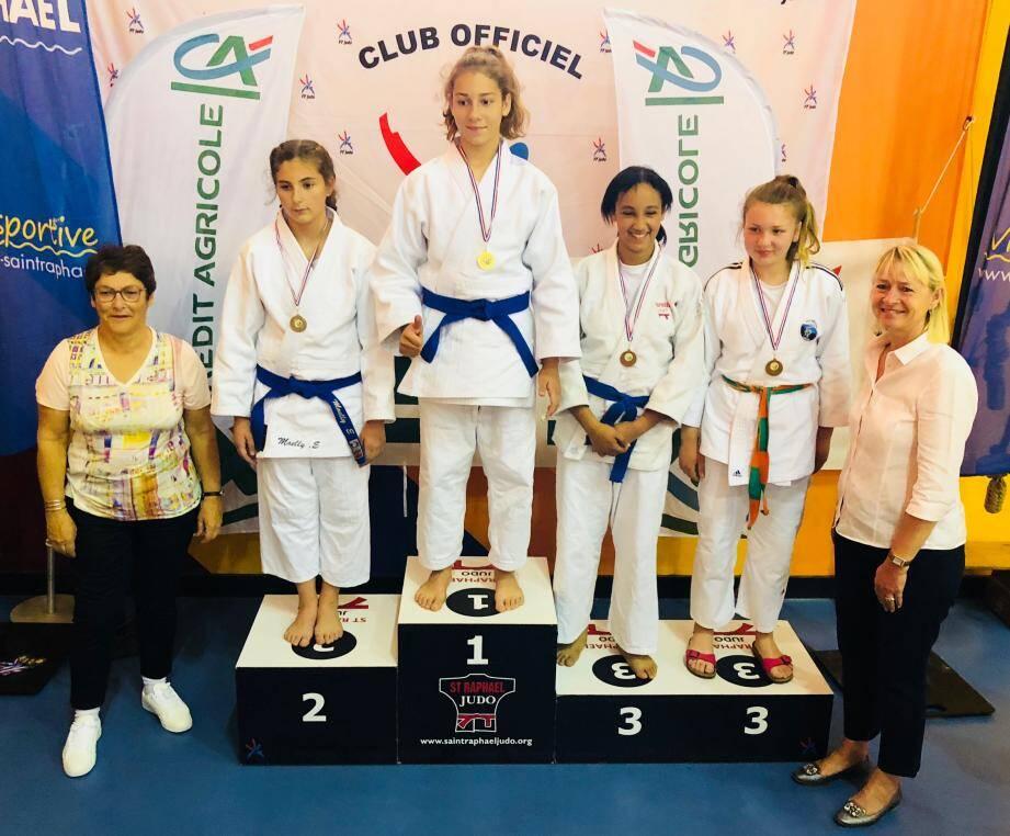 Une belle troisième place pour Maïssa Boudra (à droite avant-dernière).(DR)