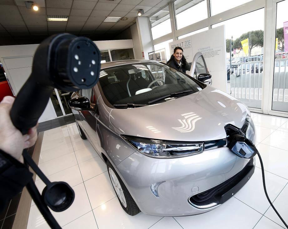 La part des voitures électriques dans le parc automobile ne cesse de grimper.