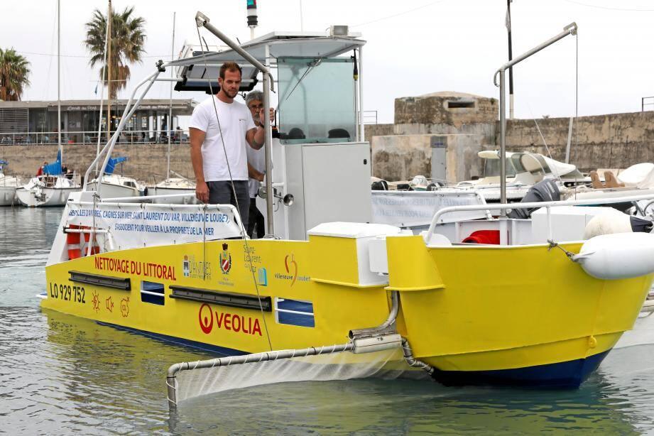 À partir du 1er juin, vous verrez plus que vous n'entendrez Gouel'net, le bateau hybride nettoyeur.