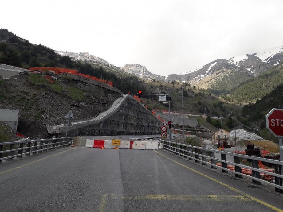 Depuis vendredi et pour une durée indéterminée, l'accès au tunnel de Tende est fermé à la circulation. (DR)