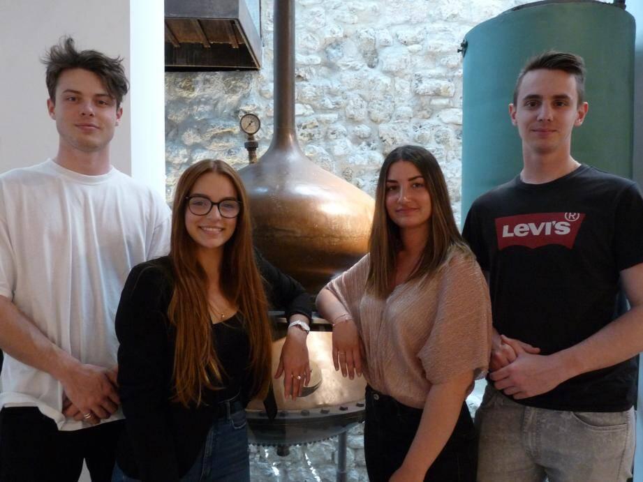 Valentin Mazy, Amélia Quattrocchi Montalbano, Aurélia Lucchesi et Clément Lores ont traduit les sites des musées de Grasse en russe dans le cadre de leur cursus scolaire.