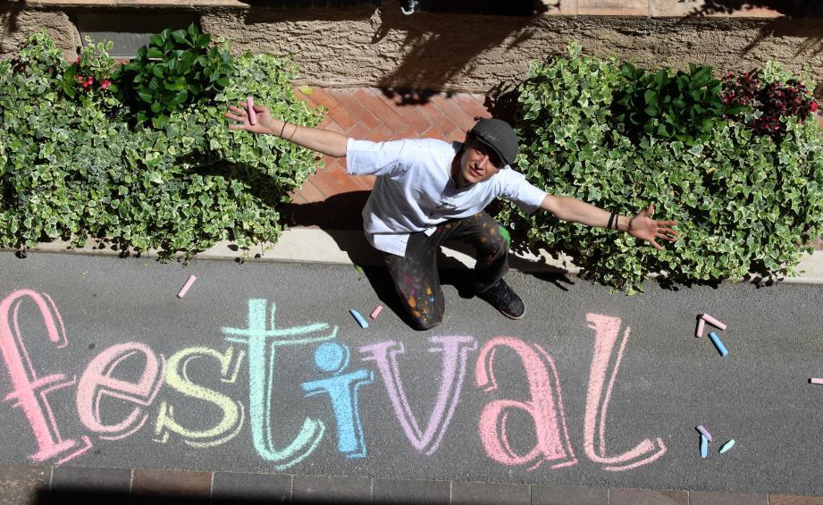 Jérémy Besset invite à plonger dans l'aventure colorée du Street art.