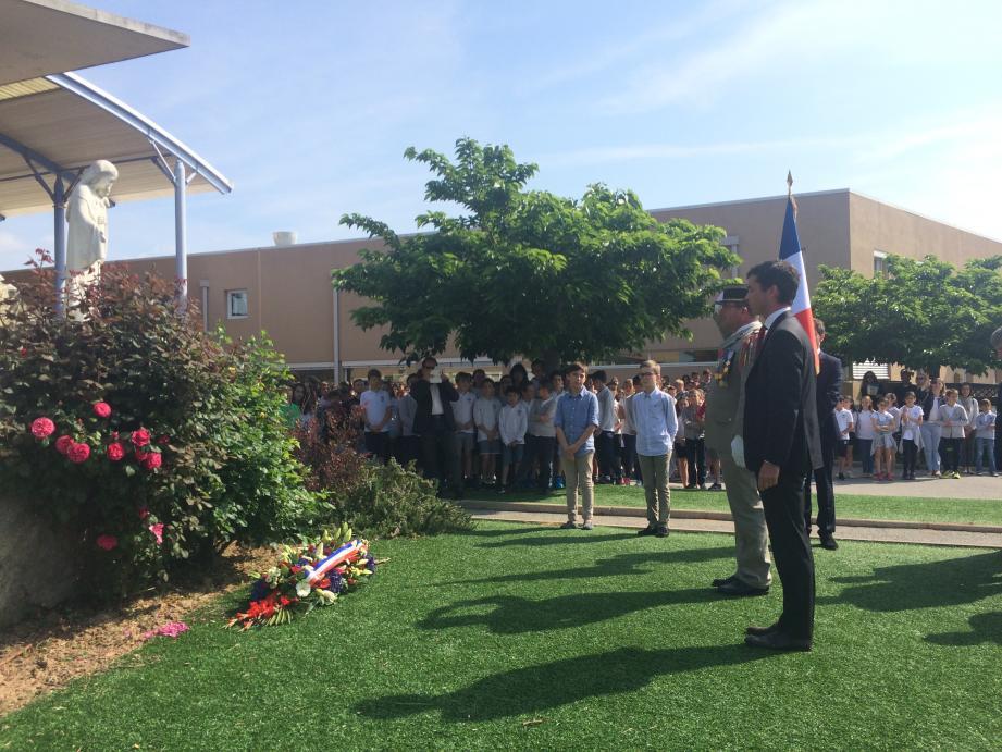 Les élèves de l'institut Stanislas ont commémoré le 73e anniversaire de la fin de la seconde Guerre mondiale.