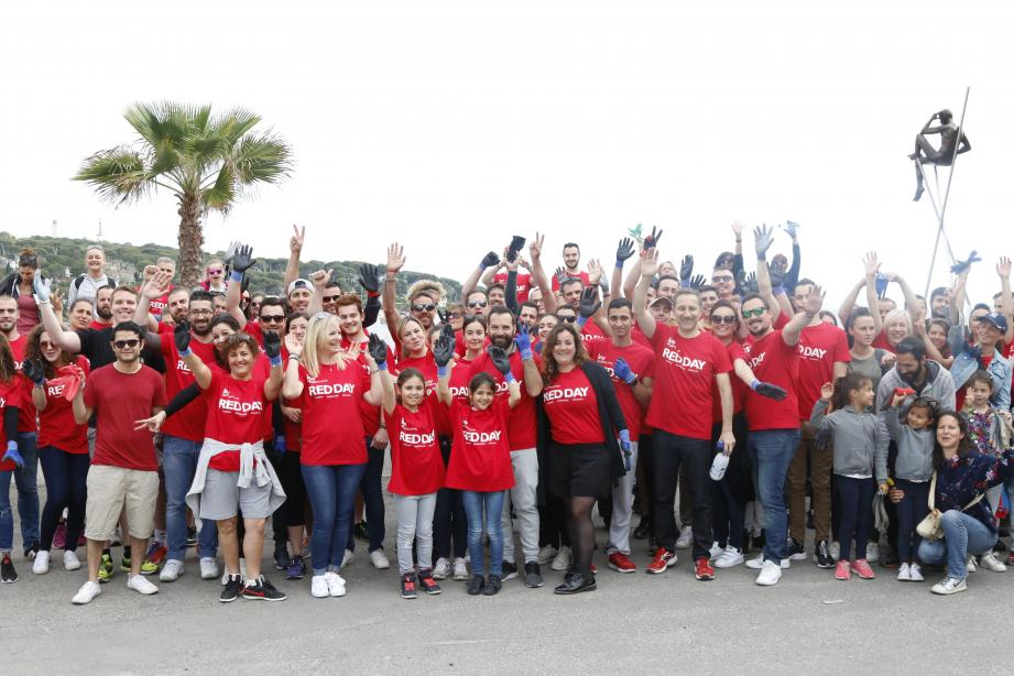 Quatre-vingts collaborateurs ont participé au Red day, cette opération associative annuelle de l'enseigne.