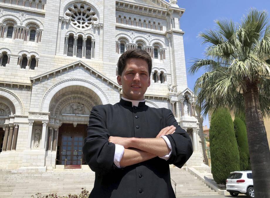 Will Conquer, diacre du diocèse de Monaco, est ordonné prêtre par Mgr Bernard Barsi, aujourd'hui à 10 h 30.