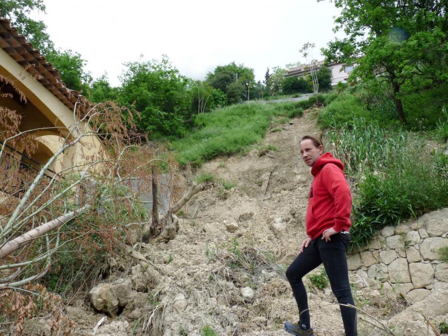 Les travaux suite à l'éboulement de 2014 n'ont pas permis de réaliser « un mur de soutènement, pourtant préconisé par l'expert judiciaire », juste là où la coulée de boue a eu lieu. Sur la pente, une grande partie de trois anciennes restanques, pourtant imposantes, a disparu.