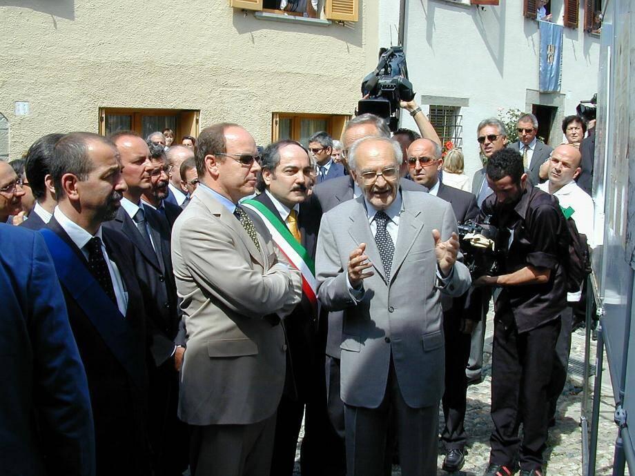 En 2003, le souverain avait déjà effectué une visite à Compiano, terre natale de la mère du prince Honoré II, Marie Landi.