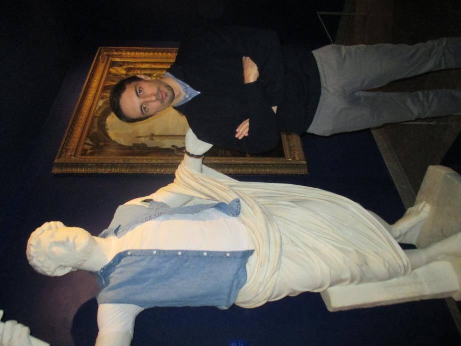 L'artiste Léo Caillard transforme les dieux antiques en super-héros ou en hipsters.