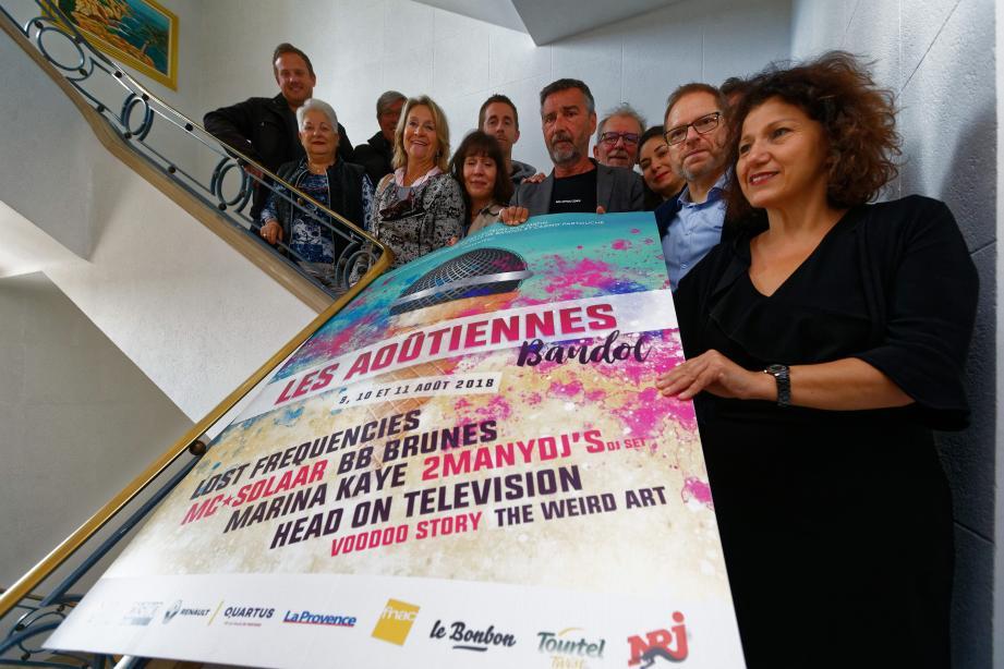 Dalida Sarkissian (à droite), adjointe au maire de Bandol, et Jean-François Roubaud (au centre), président du conseil de surveillance de Nice-Matin, ont présenté hier l'événement.