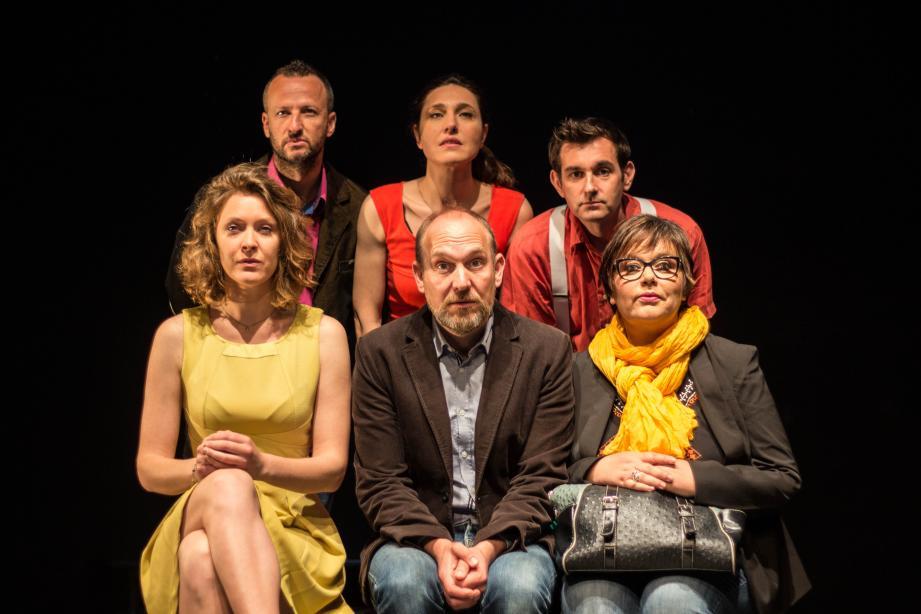Sur scène : six comédiens pour incarner la galerie de ces héros de l'ordinaire dont les défauts nous font si bien écho...