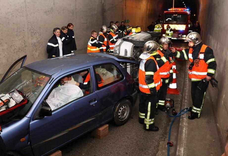 Seize sapeurs-pompiers de Menton et Sospel ont participé à l'exercice.
