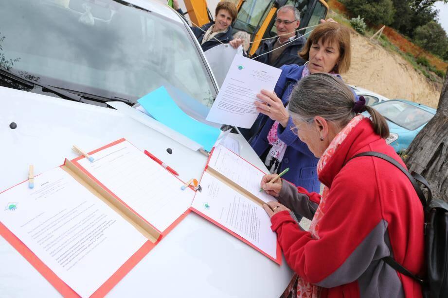 La pétition a été lancée le 1er mai, lors du rassemblement au plateau.