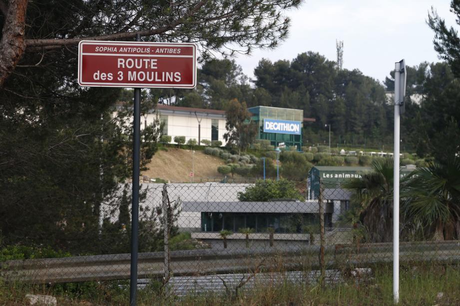 Le quartier des Trois-Moulins a été le théâtre hier d'un déploiement de forces impressionnant.