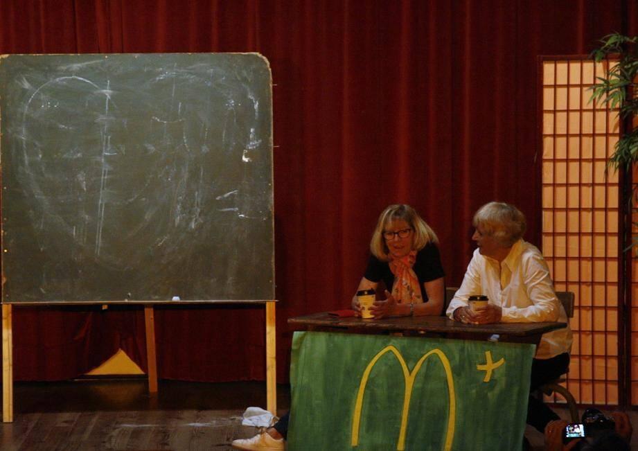 Théâtre et conte furent au programme des deux premières soirées présentées à la salle Saint-Exupéry.