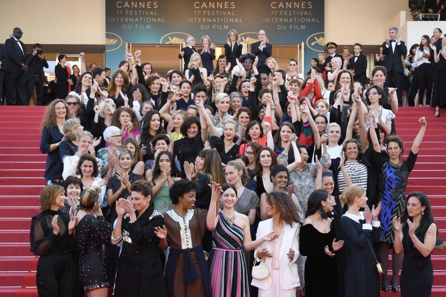 82 femmes sur le tapis rouge pour réclamer plus d'égalité.