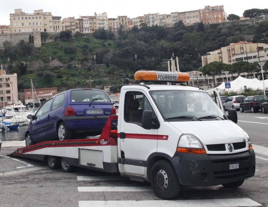 L'enlèvement des véhicules gênants est systématique pendant le Grand Prix.