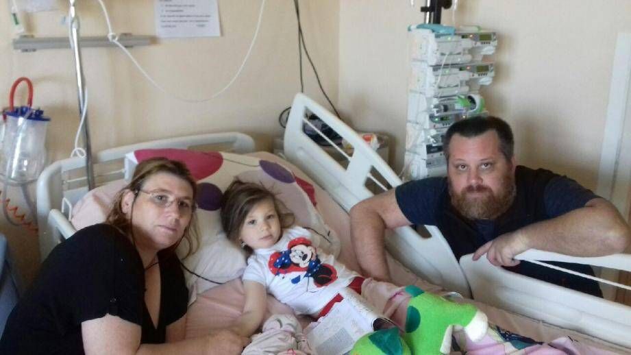 Sandra et Pierre ne quittent pas le chevet de Serena qui fêtait le 5 mai dernier, dans sa petite chambre d'hôpital de l'Archet 2, à Nice, ses 4 printemps.