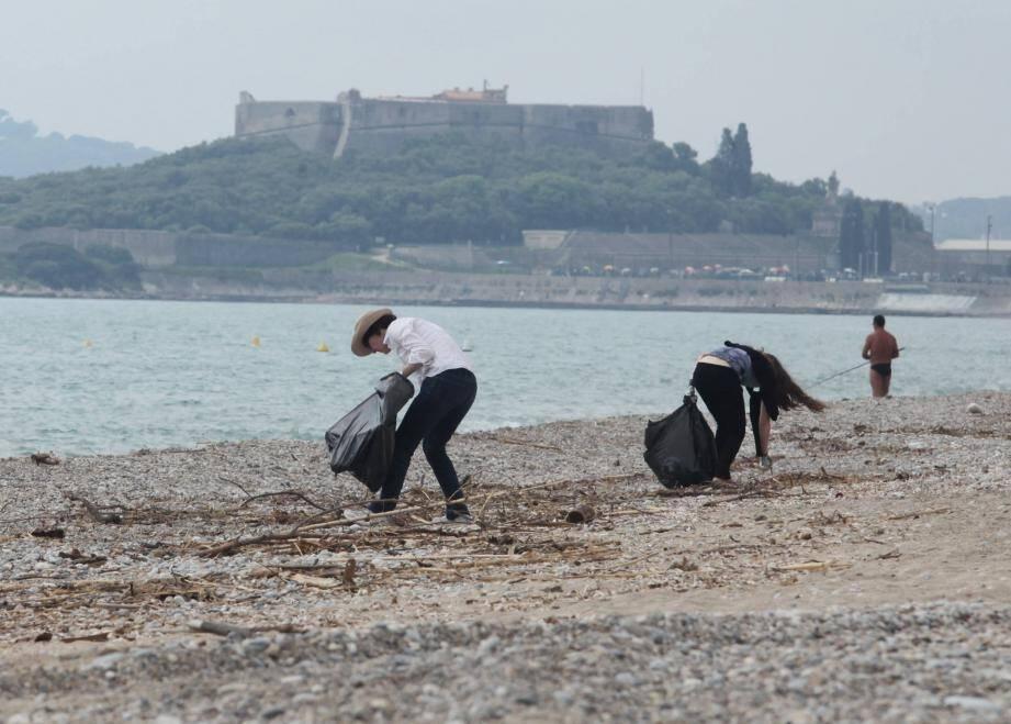 Des opérations de nettoyage de plage seront organisées pour sensibiliser à la préservation du littoral.