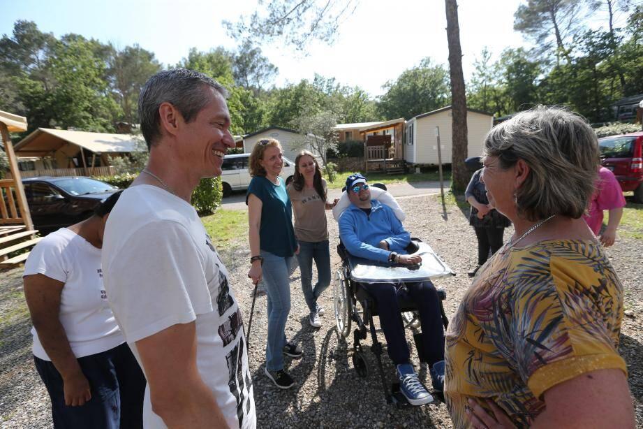 Christophe Lenoble accueillait les premiers participants au camping.