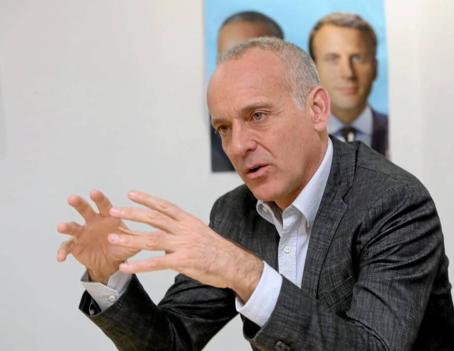 Loïc Dombreval, élu maire en 2014 puis député en 2017, a choisi de ne pas se présenter.
