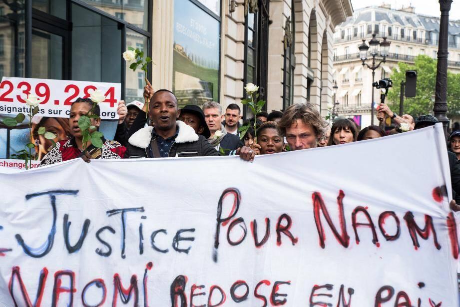Des marches en hommage à Naomi Musenga.