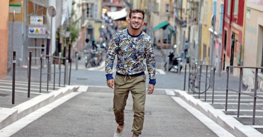 Zelim Khadjiev dans les rues du Vieux-Nice.